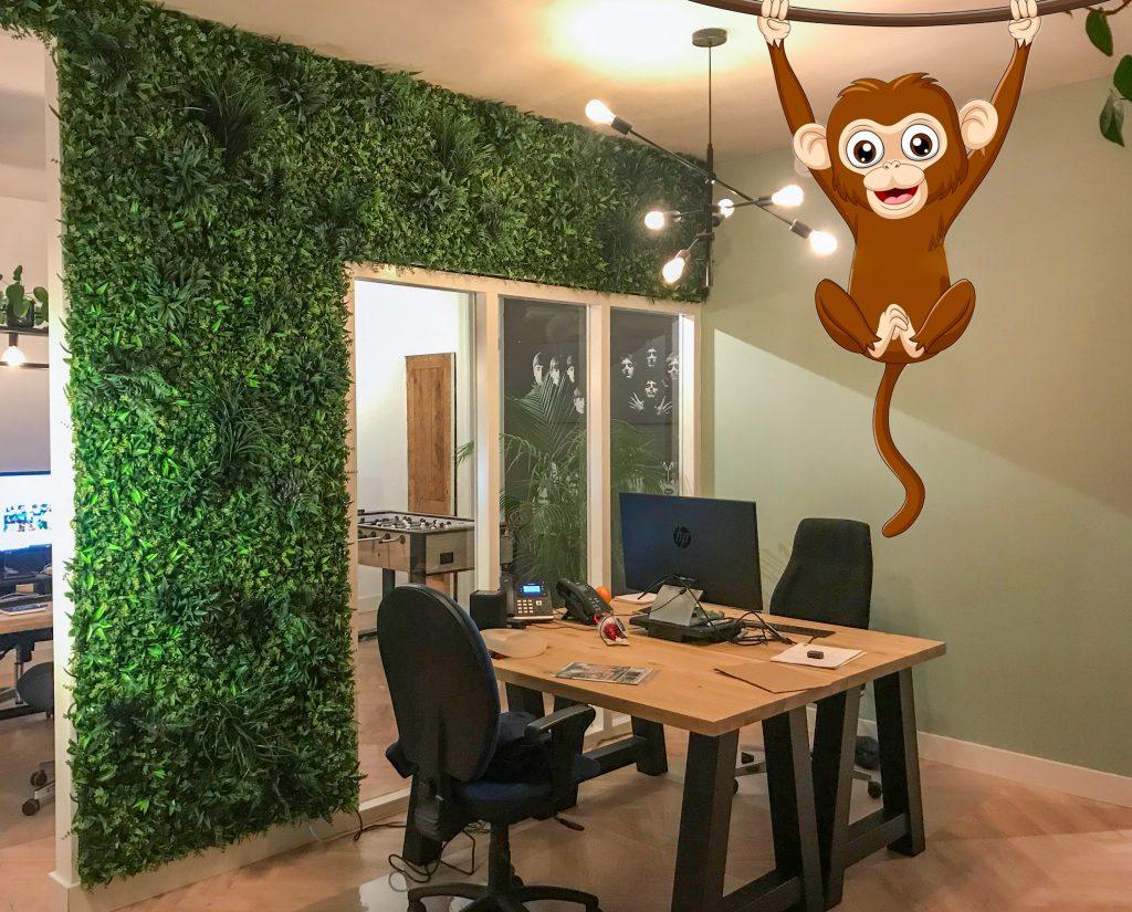 Veilige-werkplek-met-een-Kunsthaag-scheidingswand