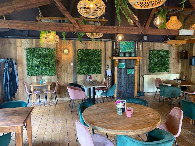 Wandmat-Restaurant-Jungle