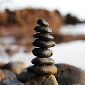 wanddoek-opgestapelde-stenen-kunsthaag